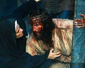 Jezus en Maria op weg naar Calvarie (The Passion)
